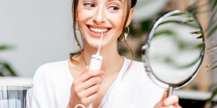 l idropulsore dentale toglie il tartaro