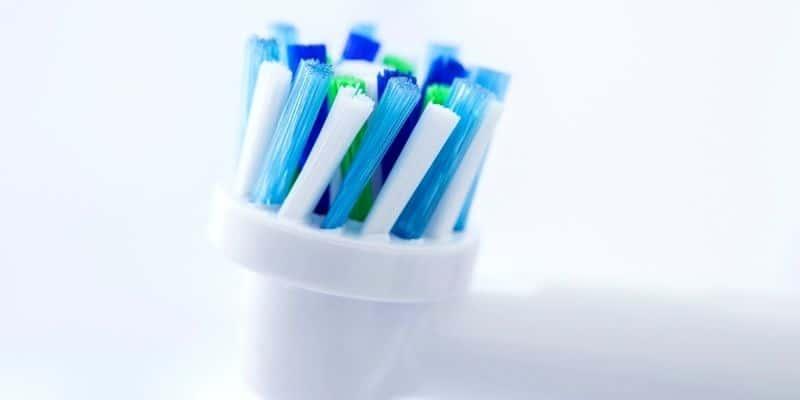 spazzolino elettrico con testina rotante