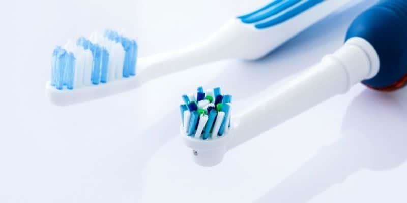 spazzolino elettrico vs spazzolino manuale