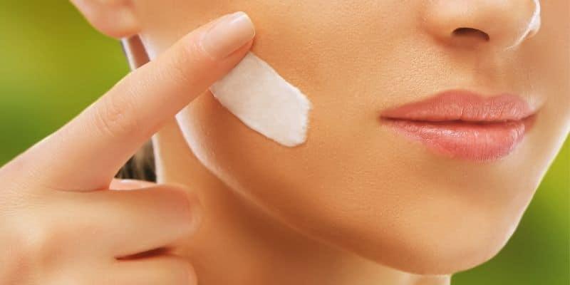come schiarire la pelle del viso