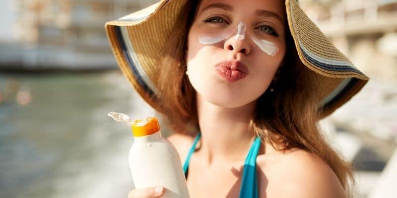 Crema solare viso antimacchie