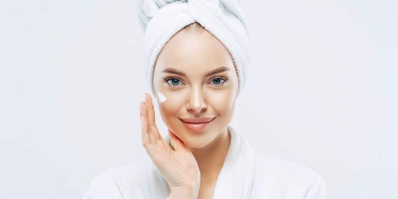 crema viso anti età